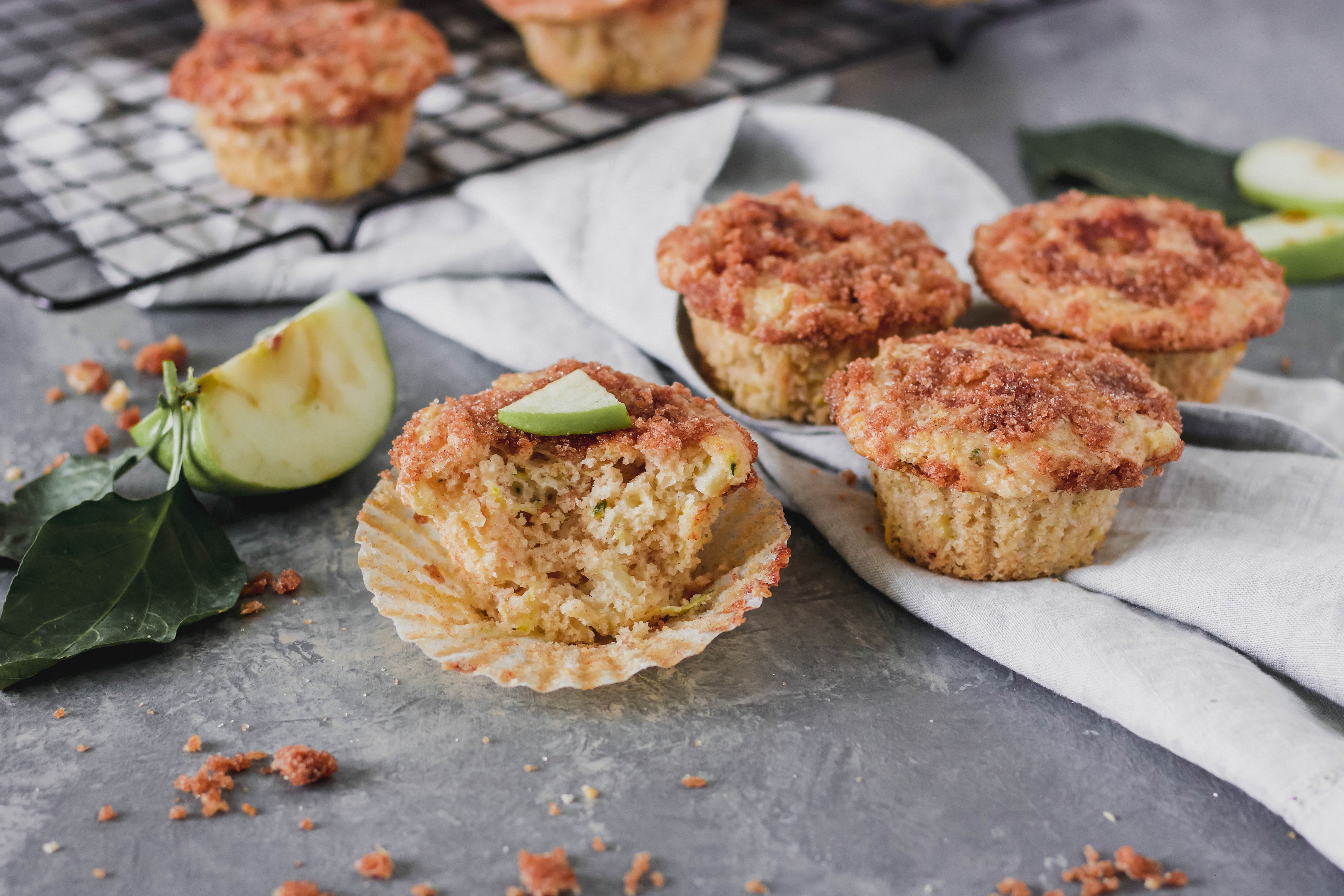 Apple Cinnamon Zucchini Muffins With Cinnamon Crumb Topping-2