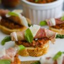 Asparagus-Prosciutto Crostini with Sun-Dried Tomato Pesto-1