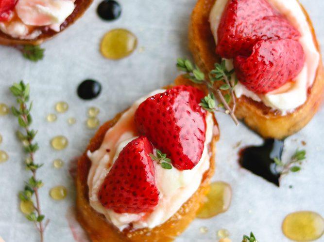 Honey-Thyme Roasted Strawberry Crostini