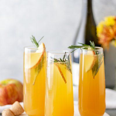 Apple Cider Mimosa (Crisp & Refreshing)